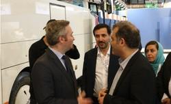 فرنسا تشجع مواطنيها على السفر إلى إيران وتدعم تنمية السياحة فيها