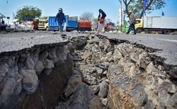 عشرات القتلى إثر زلزال عنيف أعقبه تسونامي في إندونيسيا