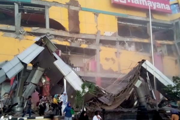 انڈونیشیا میں زلزلے اور سونامی سے 384 افراد ہلاک