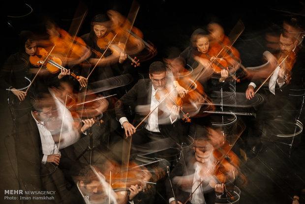 ارکستر ملی از «سرو آزاد» رونمایی کرد/ اجرای عاشقانههای وطنی