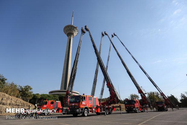شش نردبان ۶۴ متری و تجهیزات جدید آتشنشانی تهران رونمایی شد