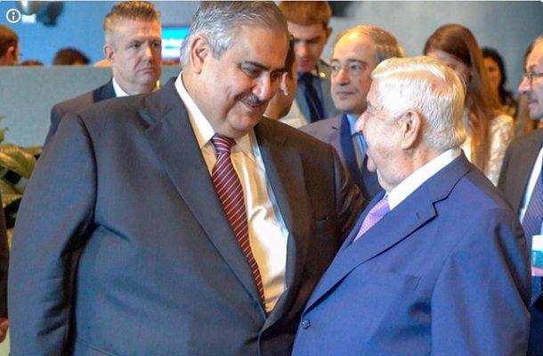 مصافحة حارة بين وزيري خارجية سوريا والبحرين