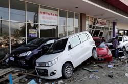 پس لرزههای ۶ ریشتری بلای جان مناطق زلزلهزده اندونزی/ تعداد کشته ها به ۱۲۳۴ نفر رسید