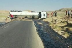واژگونی تانکر عراقی جاده پلدختر - دره شهر را مسدود کرد