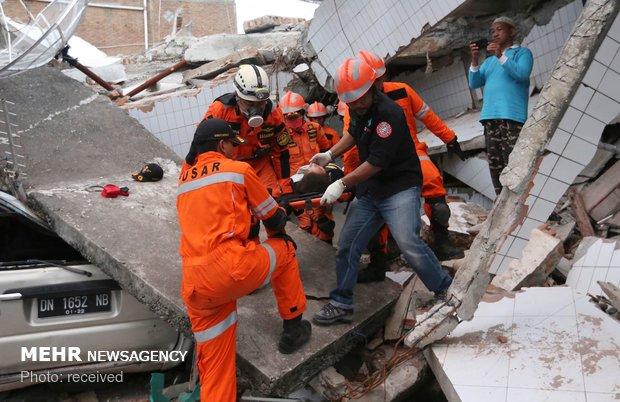 إندونيسيا تسابق الزمن لايصال المساعدات للمناطق المنكوبة بعد مقتل 832