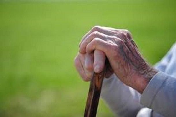ارتباط میزان ویتامین K خون و محدودیت قدرت حرکتی سالمندان,