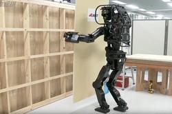 ژاپنی ها ربات کارگر ساختمانی عرضه کردند