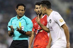 انتقاد شدید قطریها به داور بازی پرسپولیس/ سناریو تهران تکرار شد!