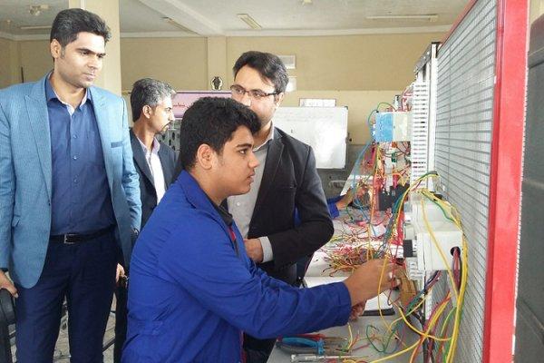 اجرای فرصت مطالعاتی اساتید دانشگاه آزاد در صنایع داخلی