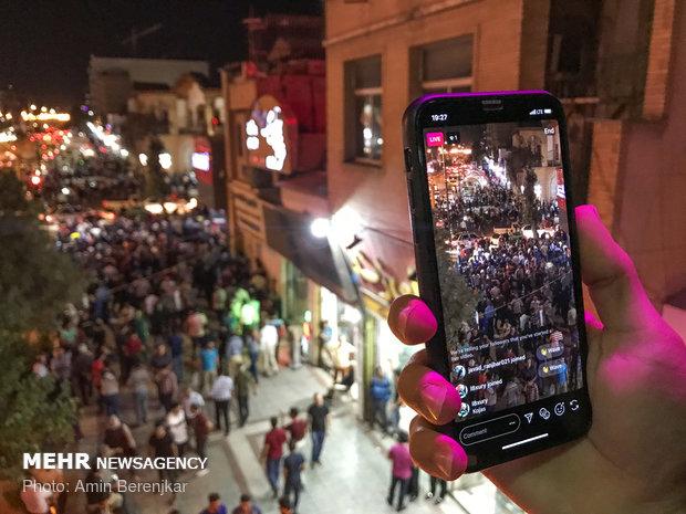گشتی در خیابان زند شیراز/ سرگردانی میان دلار آبی و سفید