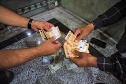 دستگیری ۱۰ دلال غیرمجاز ارز در قم
