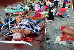 شمار کشتههای زمین لرزه اندونزی از ۱۴۰۰ نفر گذشت