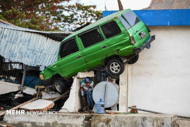 شمار قربانیان زلزله و سونامی اندونزی به ۱۵۷۱ نفر رسید