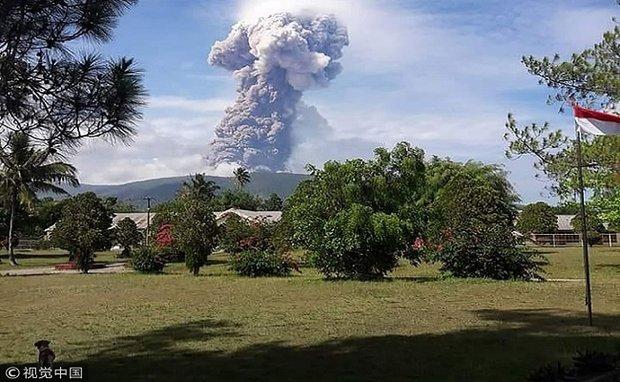 زلزال اندونيسيا يوقظ بركان سوبوتان من سباته