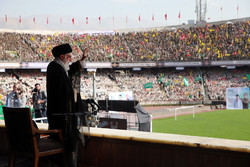 Devrim Lideri, Azadi Stadyum'da gençlere hitap etti