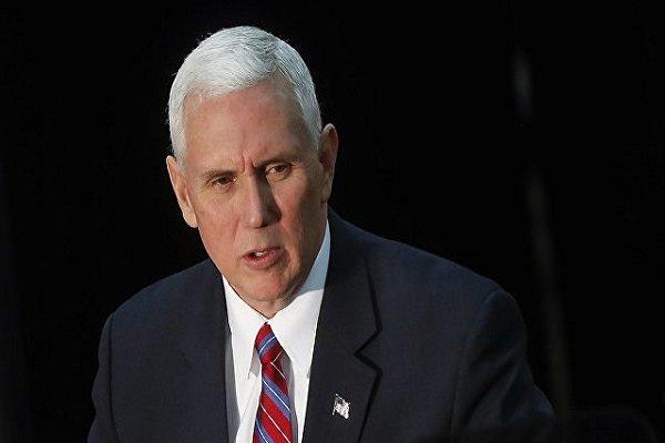 مایک پنس: چین در امور داخلی آمریکا دخالت میکند