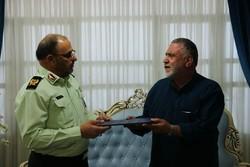 دیدار فرمانده انتظامی شرق استان تهران با ۳ خانواده شهید