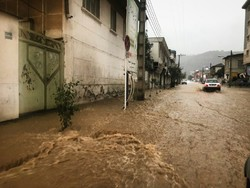 بارندگی در مناطق وسیعی از کشور/گرد و خاک در خوزستان