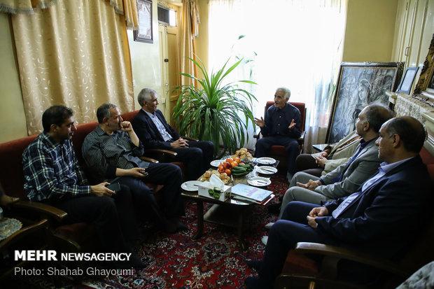 """رئيس بلدية طهران يقوم بجولة بمناسبة """"يوم طهران"""" في المحافظة"""