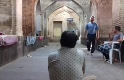 سردی هوای اصفهان و بی توجهی جان کارتن خواب ها را به خطر می اندازد