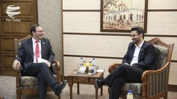 ICT Minister Mohammad Javad Azari Jahromi (R) met with ISO Secretary General Sergio Mujica in Tehran on Thursday.