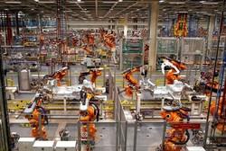 فیلم یک واحد خودروسازی رباتیک را ببینید