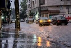 وزش شدید باد در گیلان/ هشدار آبگرفتگی معابر و جاری شدن سیلاب