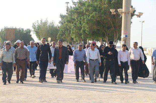 پیادهروی سالمندان در کرانه خلیج فارس برگزار شد