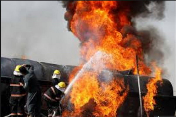 کانگو، مسافر بس اور آئل ٹینکر میں تصادم، 50 افراد ہلاک