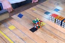 مکعب روبیکی که خود را حل می کند!