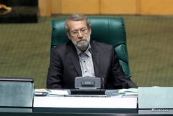 لاريجاني: العقوبات على إيران ظالمة ومخالفة للقوانين الدولية