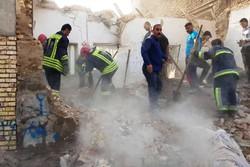 تخریب منزل مسکونی در پی انفجار گاز در کوی باهنر اهواز