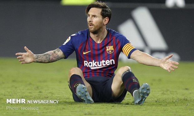 دیدار تیم های فوتبال والنسیا و بارسلونا