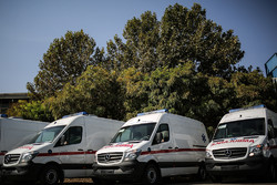 ۹ آمبولانس به محل واژگونی مینی بوس در اتوبان شهید آوینی اعزام شد