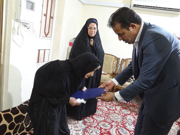 خانواده های شهدای ناجا در دشتی تجلیل شدند