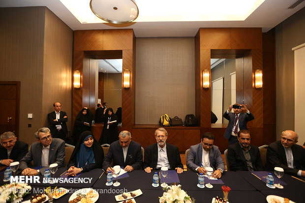 Larijani's meeting with Turkey's Yildirim, Pakistan's Mandviwalla