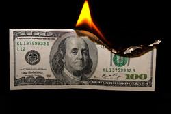 نرخ برابری دلار دربرابر یورو ۵۰ درصد کاهش خواهد یافت