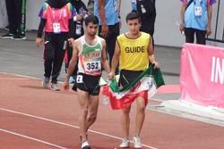 پایان دوی ۵۰۰۰ متر مردان/ مدال طلای حمید اسلامی به ورزشکار ژاپنی