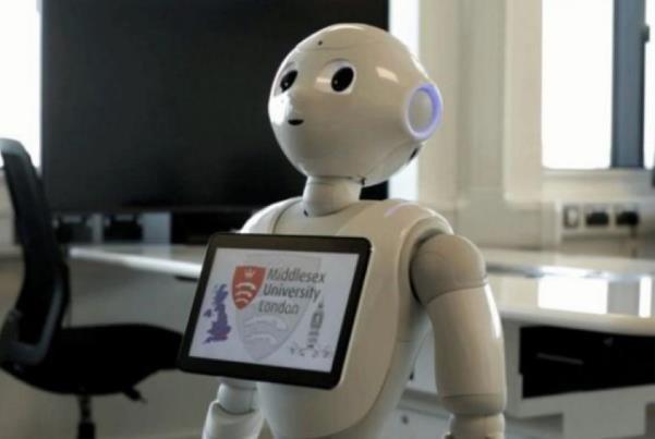 یک ربات در پارلمان انگلیس حاضر می شود!