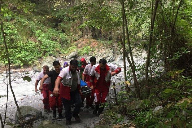 زن ۳۷ ساله از آبشار «لوار» بندرگز سقوط کرد