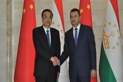نخستوزیران چین و تاجیکستان دیدار کردند