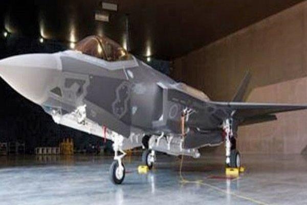جستجو برای یافتن خلبان و لاشه اف- ۳۵ مفقود ادامه مییابد