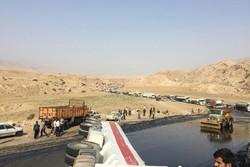 واژگونی تانکر نفتکش عراقی جاده پلدختر-اندیمشک را مسدود کرد
