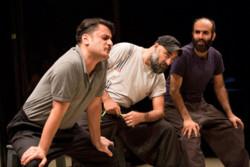 اجرای نمایشی به تهیهکنندگی نوید محمدزاده در تئاتر شهرزاد