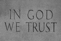 نصب تابلوی «ما به خدا اعتماد داریم» در مدارس فلوریدا اجباری شد