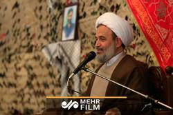 حجت الاسلام پناهیان از مرز مهران بازدید کرد