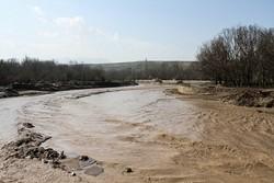 آماده باش شهرداری و بخشداری مرکزی پلدختر برای مقابله با سیلاب