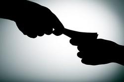رئیس اداره راه و شهرسازی منوجان به اتهام اخذ رشوه دستگیر شد
