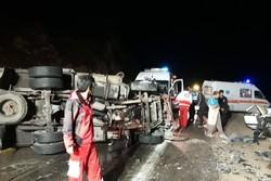 حادثه رانندگی در محور بم - زاهدان و مصدومیت ۱۳ نفر