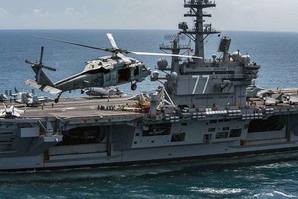 پهلو گرفتن کشتی جنگی آمریکایی در بندر دوحه